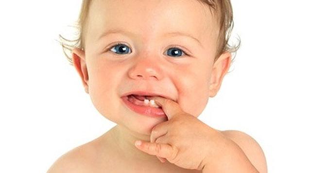 baby-milk-teeth.jpg